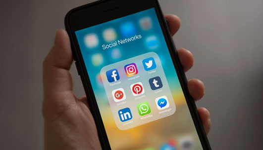 Promoting your clan event on social media
